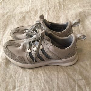 Adidas SL Loop Sneakers